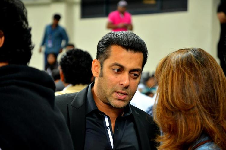 Salman Khan Snapped At CCL 3 Held In Dubai