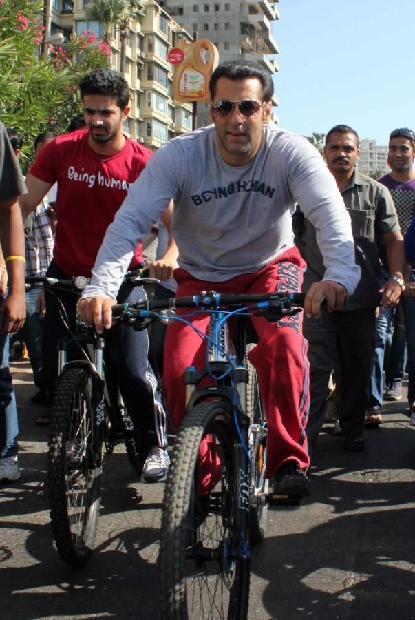 Salman Khan With Bicycle At Mumbai Car Free Day Rally
