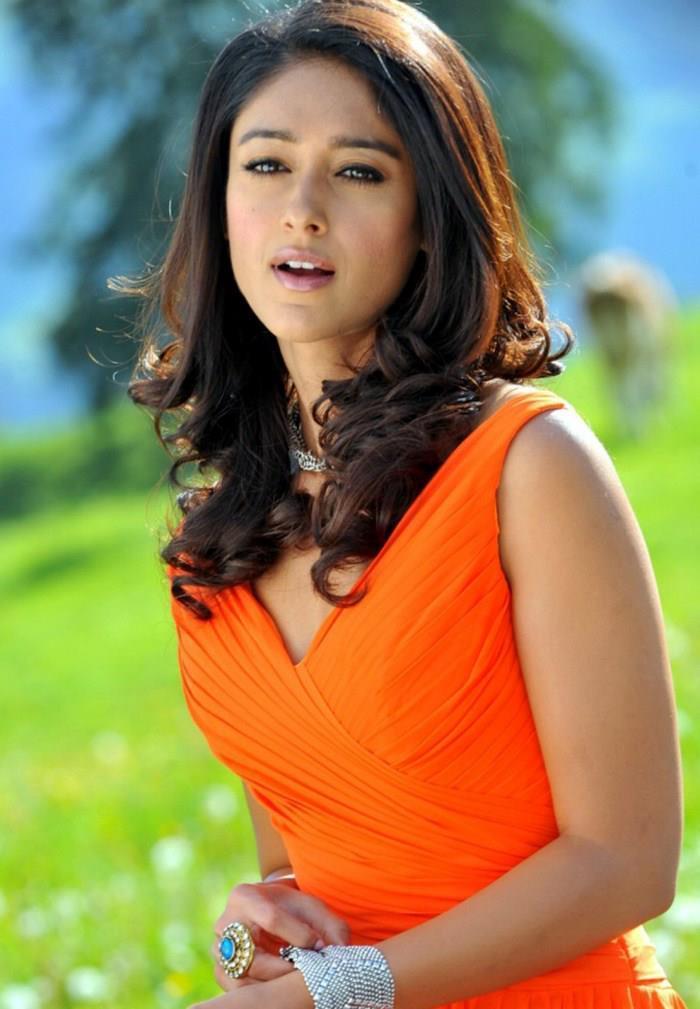 Ileana Nice Expression Photo Still In Orange Dress