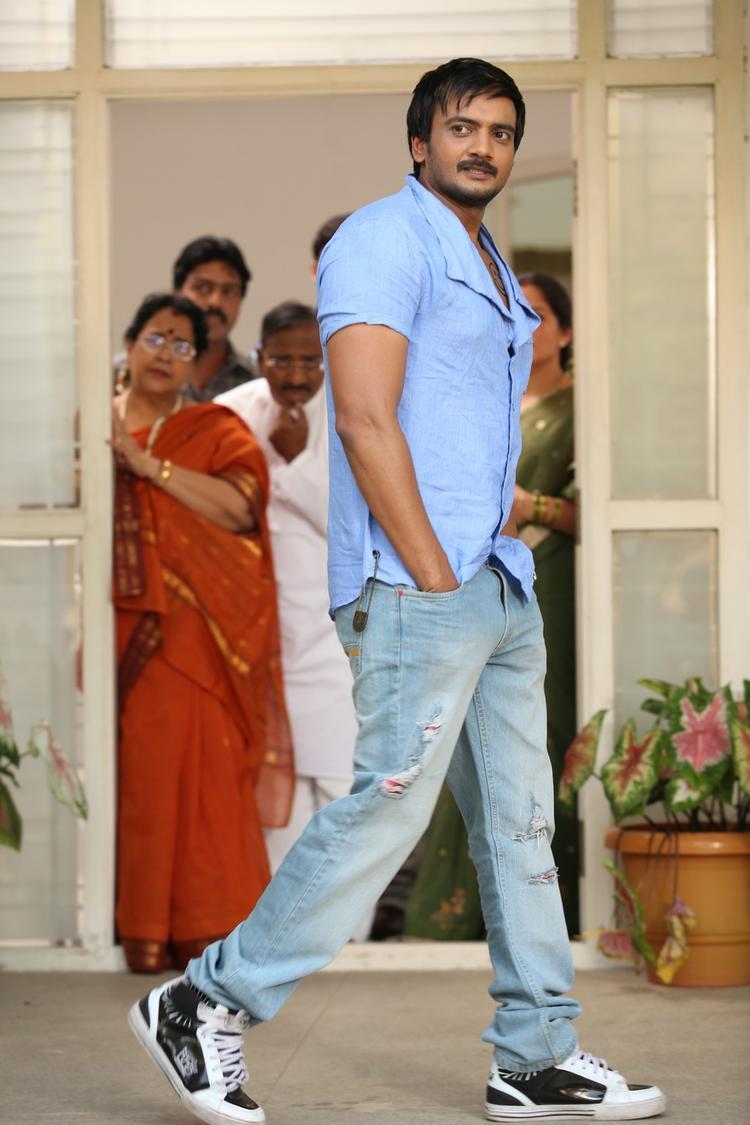 Sairam  Dashing Look Photo Still From Movie 1000 Abaddalu