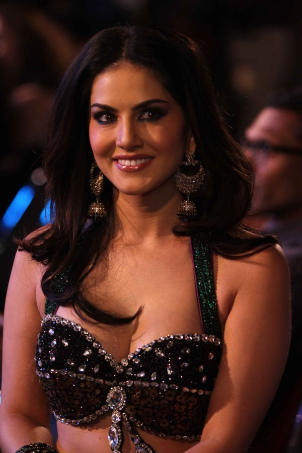 Sunny Leone Cute Smiling Look At The Music Launch Of Shootout At Wadala