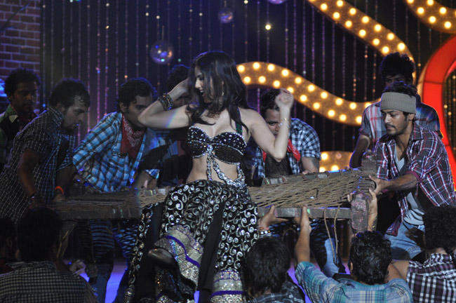 Sunny Leone Set The Dance Floor On Fire At The Music Launch Of Shootout At Wadala