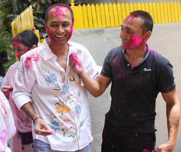 Rahul Bose Celebrate Holi At Shabana Azmi And Javed Akhtar Holi Celebration 2013