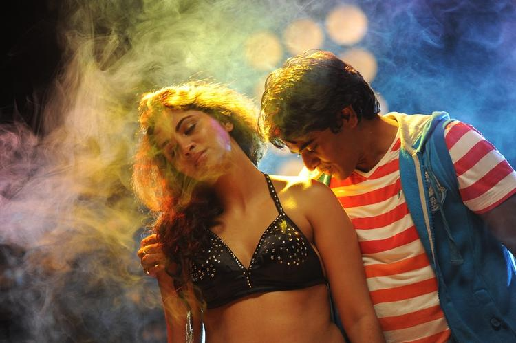 Srinivas Dance With Item Girl In Pandaga Hot Item Song In Movie Love Cycle