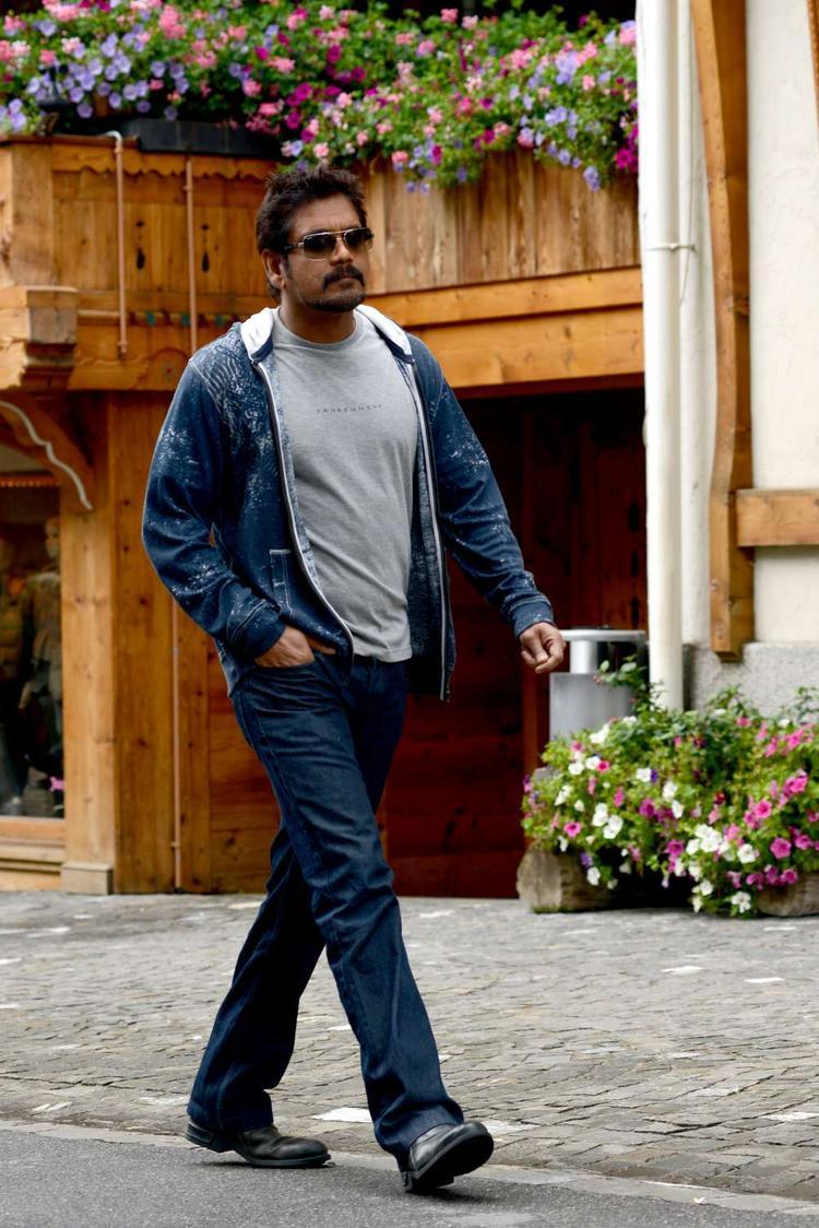 Nagarjuna Stylish Walking Photo Still From Movie Greeku Veerudu