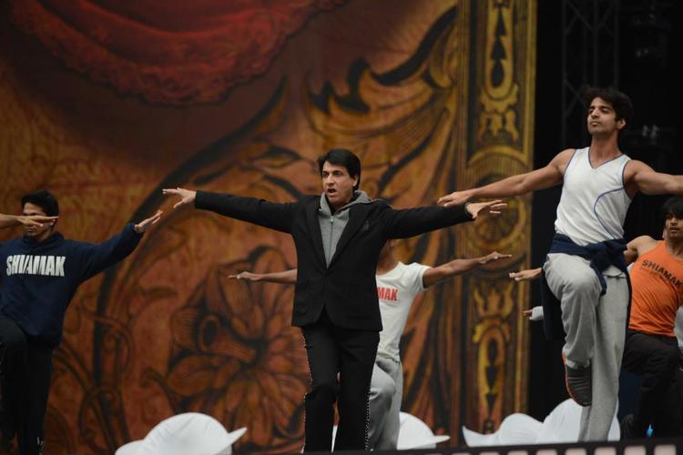 Dance Guru Shiamak Davar Rocked At The TOIFA 2013 Musical Extravaganza Function
