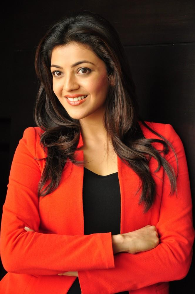 Kajal Sizzling And Attractive Photo Still At Baadshah Interview