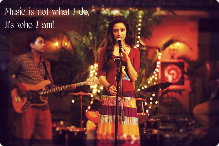 Aditya And Shraddha Nice Look In Aashiqui 2 Movie Poster