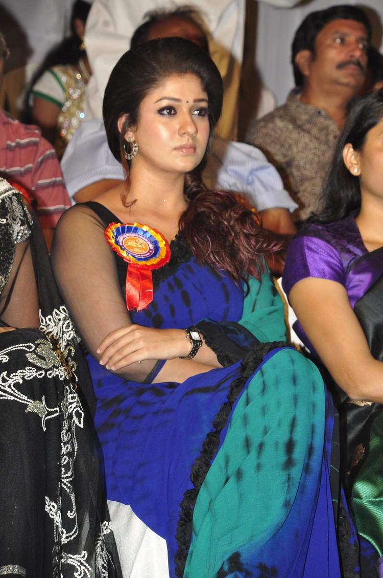 Nayanthara Spotted At Nandi Awards 2011 Function