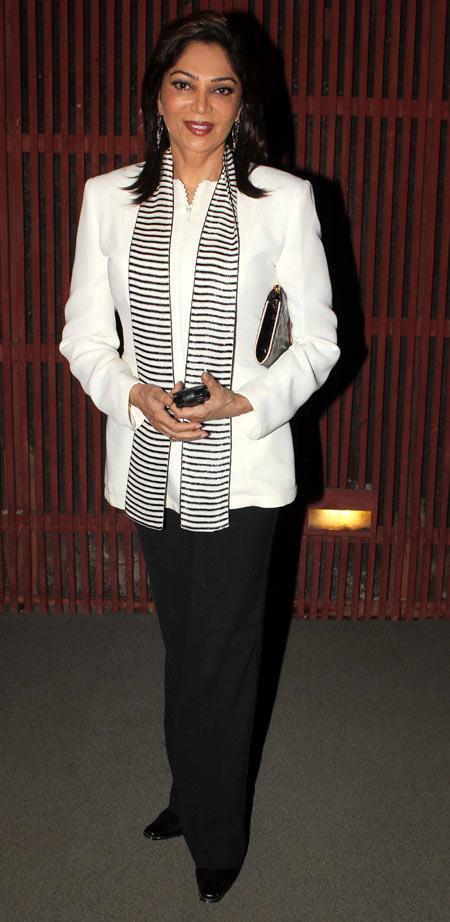 Simi Garewal Posed At Farah Khan Ali Store Launch Party