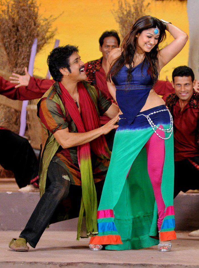 Nagarjuna And Nayantara Sizzling Dance Photo Still From Movie Greeku Veerudu