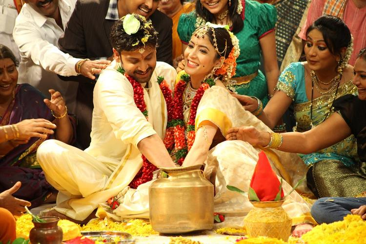 Sumanth And Sawika Marriage Photo Still From Movie Emo Gurram Egaravachu