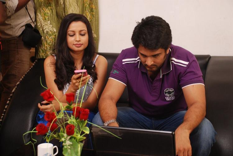 Richa Sinha And Rishi Cool Still From Srimati Bangaram Movie