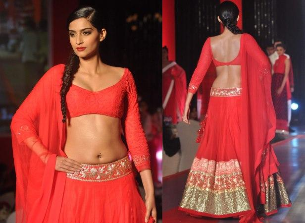 Sonam Graced The Ramp For Manish Malhotra At Colgate Visible White Launch Event
