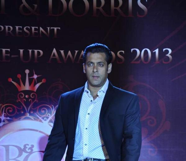 Salman Khan Dazzling Dappers Look At Bharat N Dorris Hair Styling And Make Up Awards 2013