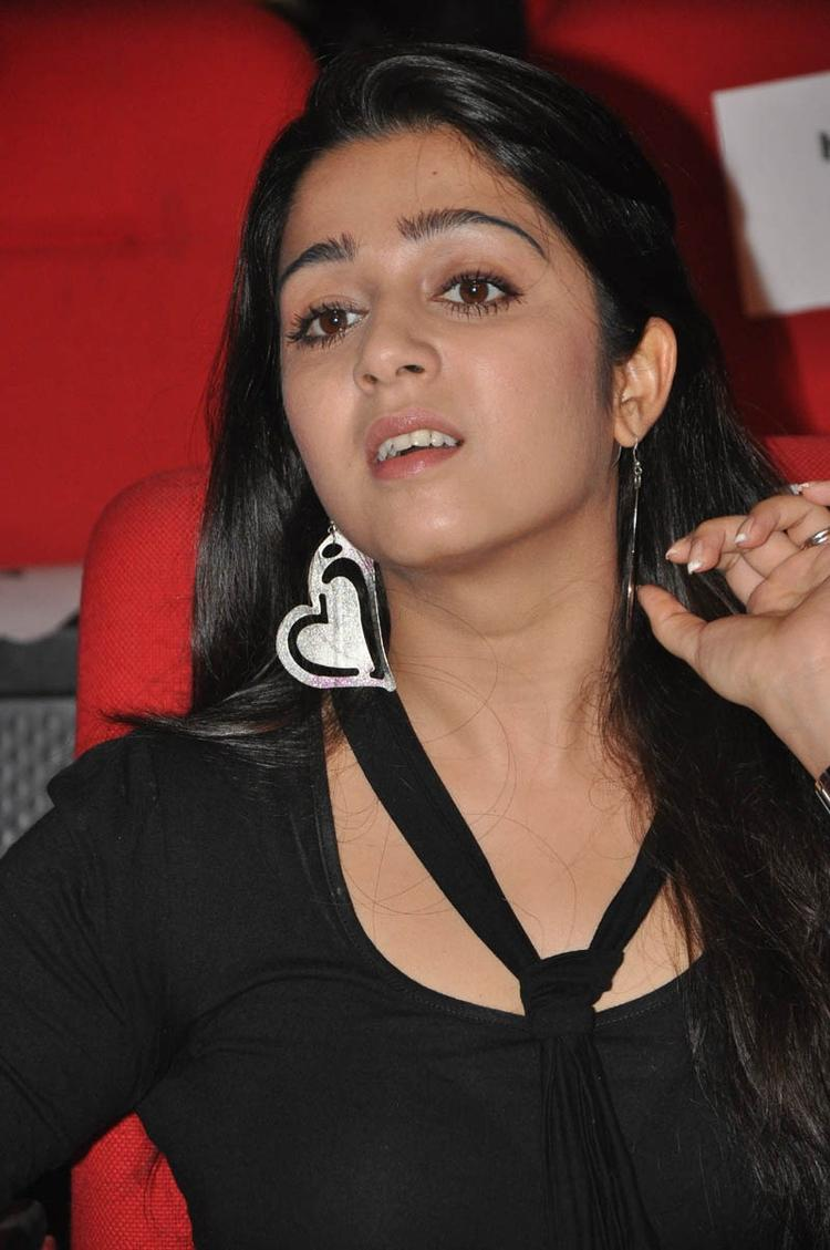 Charmy Kaur Dazzling Face Look At Iddarammayilatho Audio Launch Function