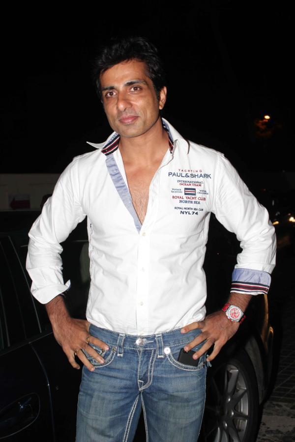Sonu Sood Posed For Camera At Special Screening Of Shootout At Wadala