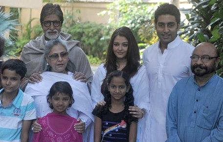 Amitabh,Jaya,Abhishek And Aishwarya Posed With Girls At Home During The Girl Child Support Event