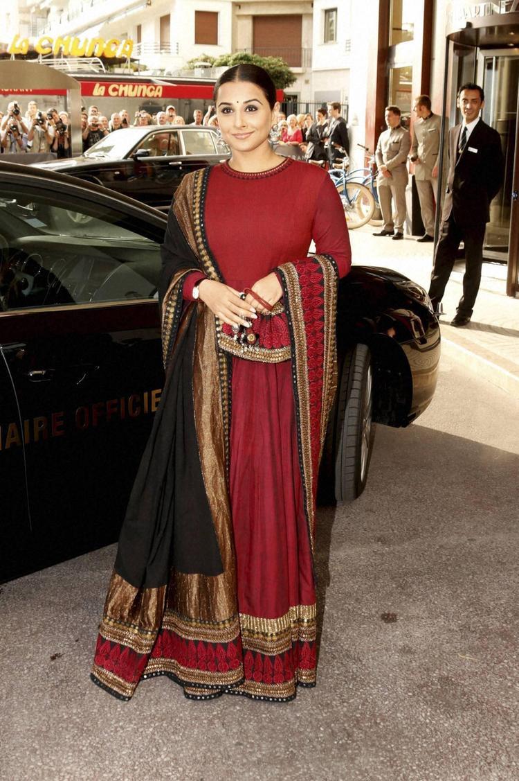 Vidya Balan Stunning Look Posed At 66th Cannes Film Festival 2013