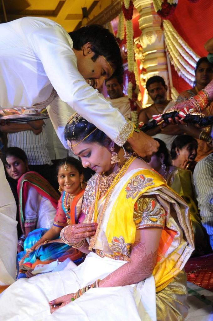 Gopi Chand And Reshma A Still From Their Wedding Ceremony
