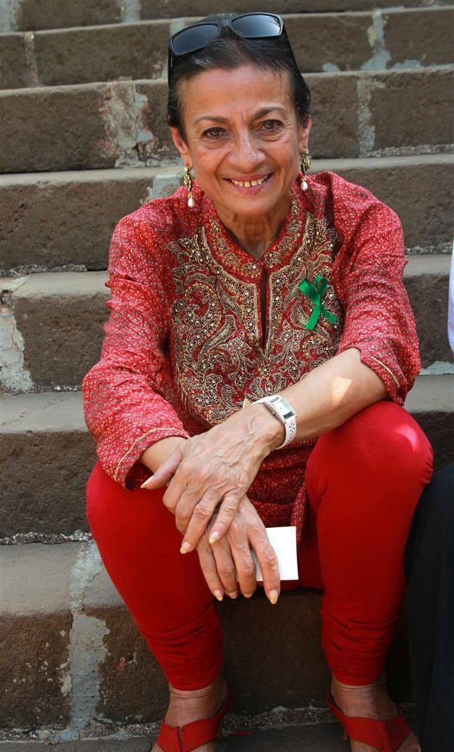 Tanuja Mukherjee Cool Smiling Pose At Clean Lonavala Program