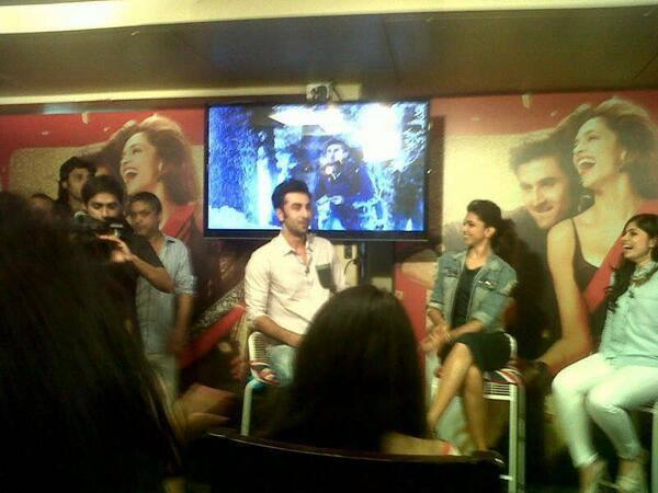 Ranbir And Deepika Cool Look On Times Now Event For Promoting YJHD