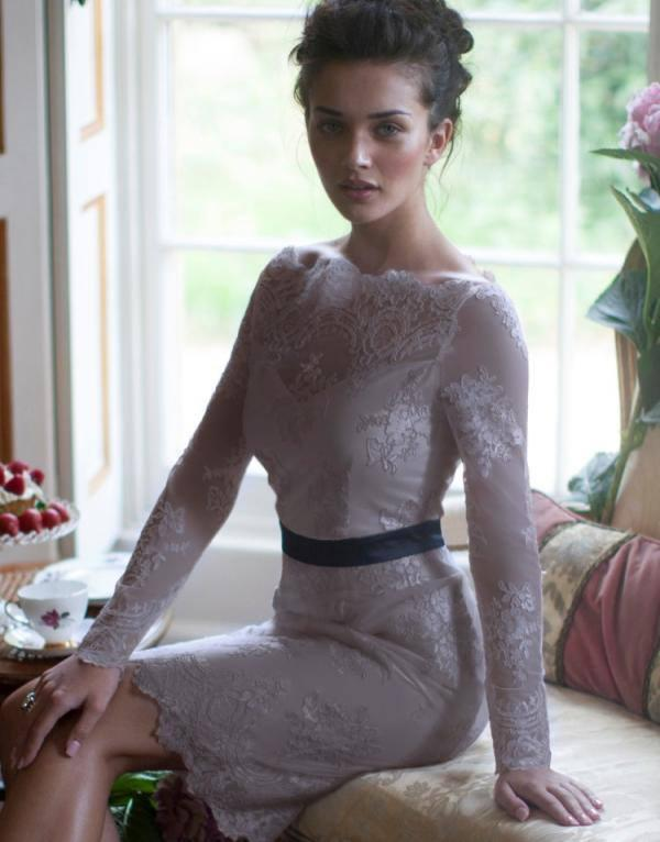 Amy Jackson Pretty Still In Lipsy V I P Lace Shift Dress