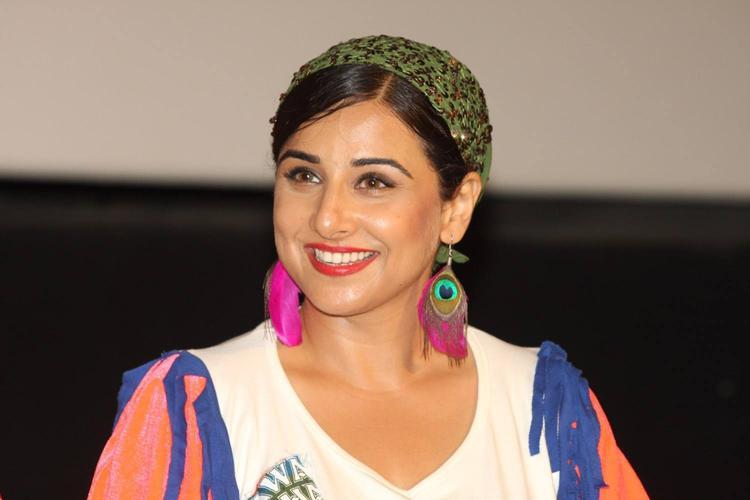 Vidya Balan Cute Smiling Look At The Music Launch Of Ghanchakkar Song Lazy Lad