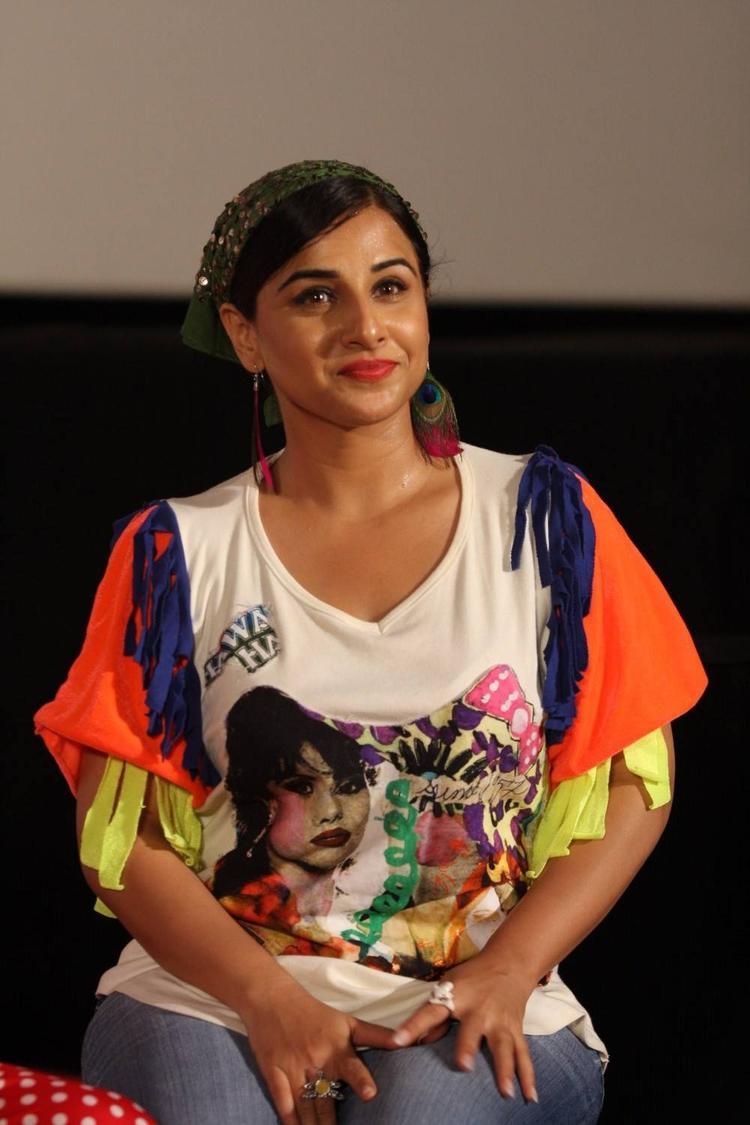 Vidya Balan Nice Look During The Music Launch Of Ghanchakkar Song Lazy Lad