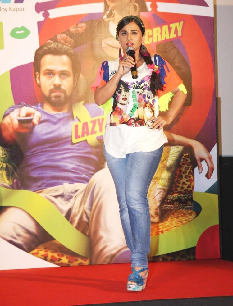 Vidya Balan Speaking Still At The Music Launch Of Ghanchakkar Song Lazy Lad