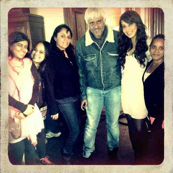 Vikram,Bipasha And Others On The Sets Of Creature