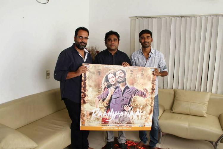 A.R.Rahman,Dhanush And Aanand Pose With Raanjhanaa Movie Album