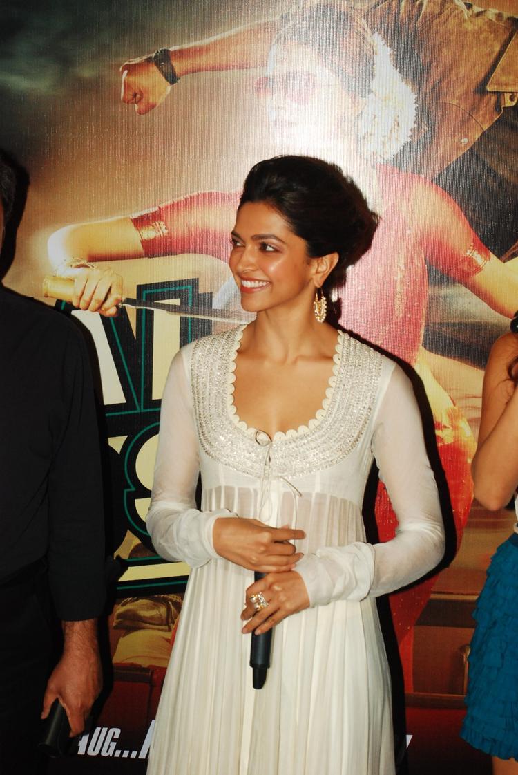 Deepika Padukone Launch Chennai Express Trailer