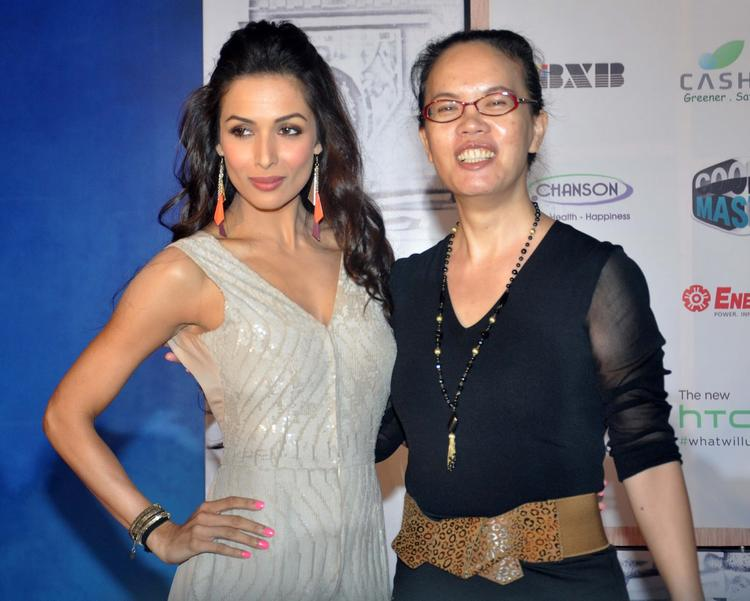 Malaika Arora Khan Pose With A Fan At Taiwan Excellence Launch Event