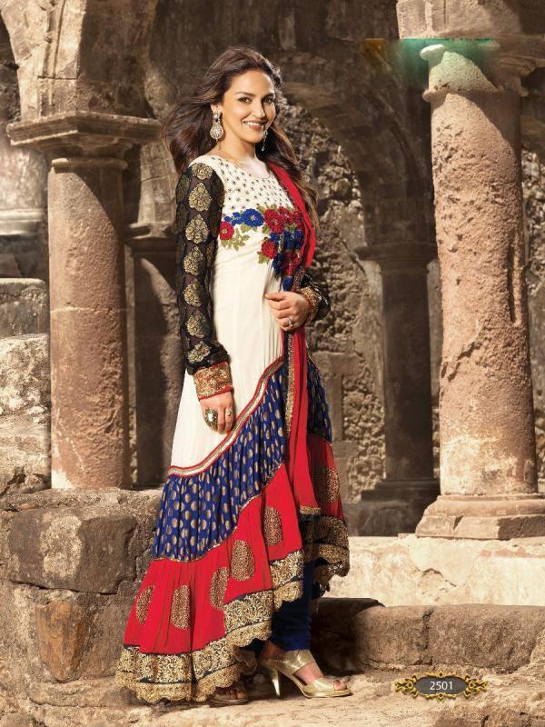 Esha Deol Photo Shoot In Beautiful Designed Sleeve Full Dress