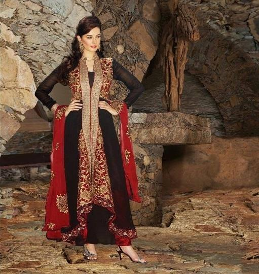 Evelyn Sharma Wore A Black New Style Salwar Kameez For Photo Shoot