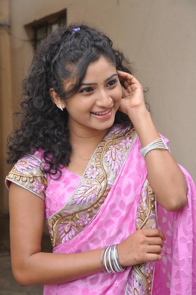 Vishnu Priya Beautiful Smiling Look At Prayaas Style Affair Life Style Exhibition Launch Event
