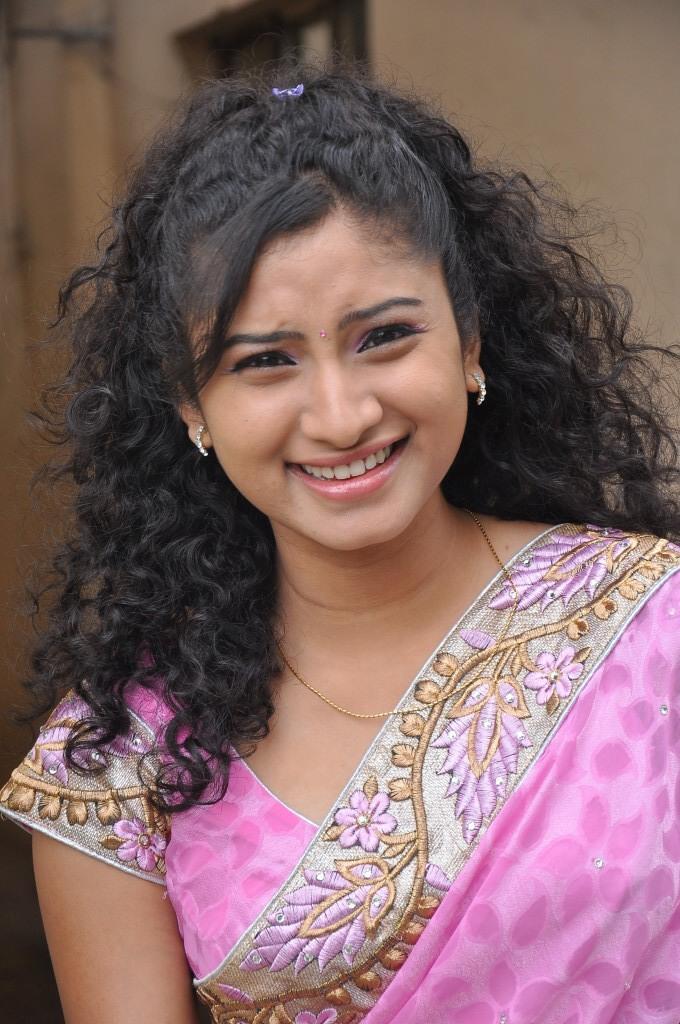 Vishnu Priya Cute Smiling Look At Prayaas Style Affair Life Style Exhibition Launch Event