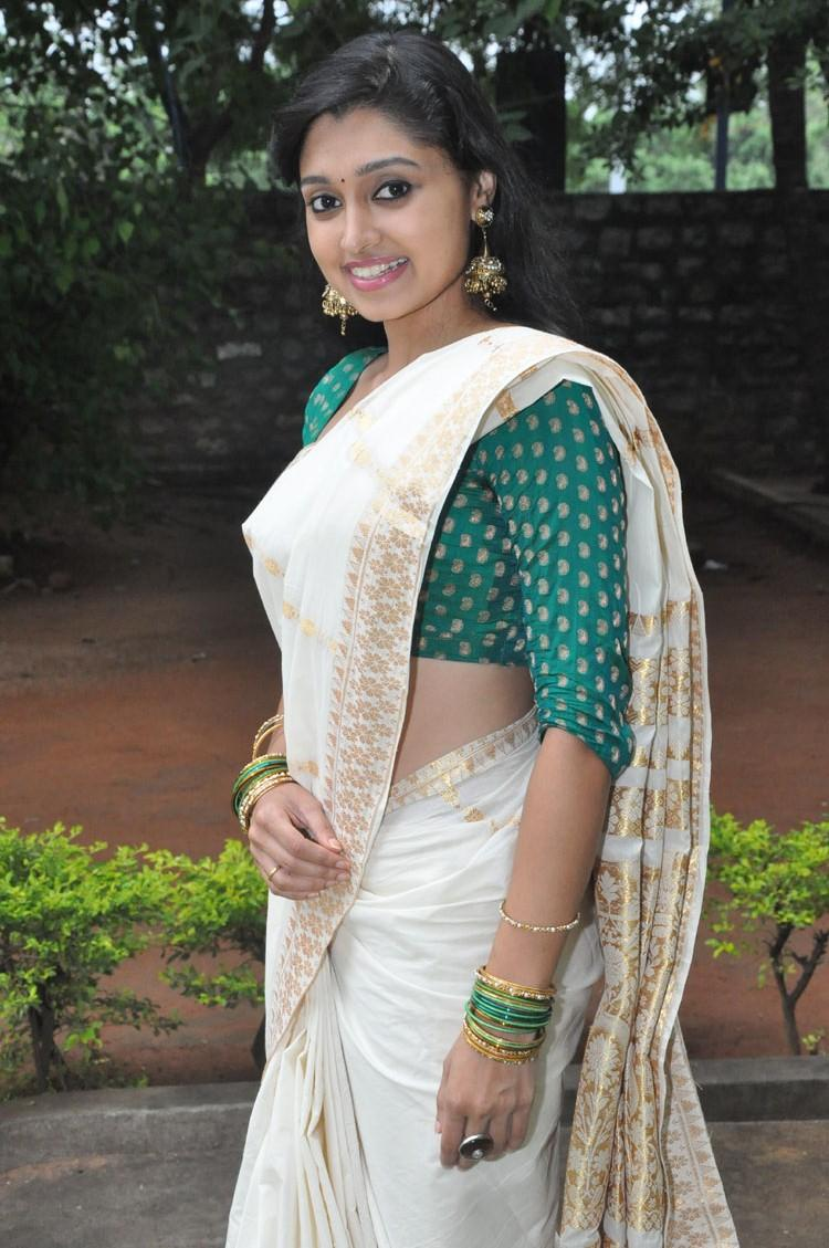 Sija Rose In Saree Sexy Look Still At Ela Cheppanu Movie Audio Release Function