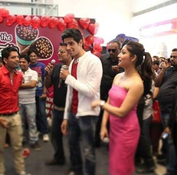 Sidharth And Yami Graced At The Cornetto Couple Hunt Event In Ahmedabad