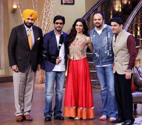 Navjot Singh,SRK,Deepika,Rohit And Kapil Posed For Camera During The Promotion Of Chennai Express On The Sets Of Comedy Nights With Kapil