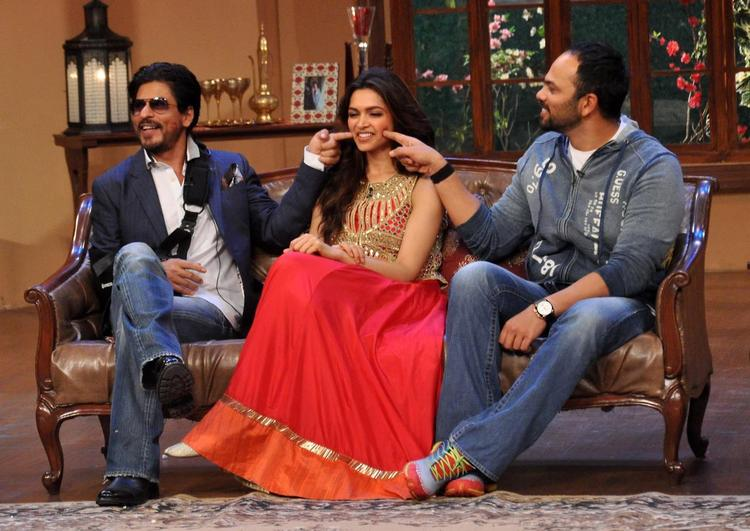 SRK And Rohit Touched The Deepika Dimples On The Sets Of Comedy Nights With Kapil