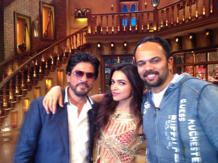 SRK,Deepika And Rohit Pose For The Shutterbugs On The Sets Of Comedy Nights With Kapil