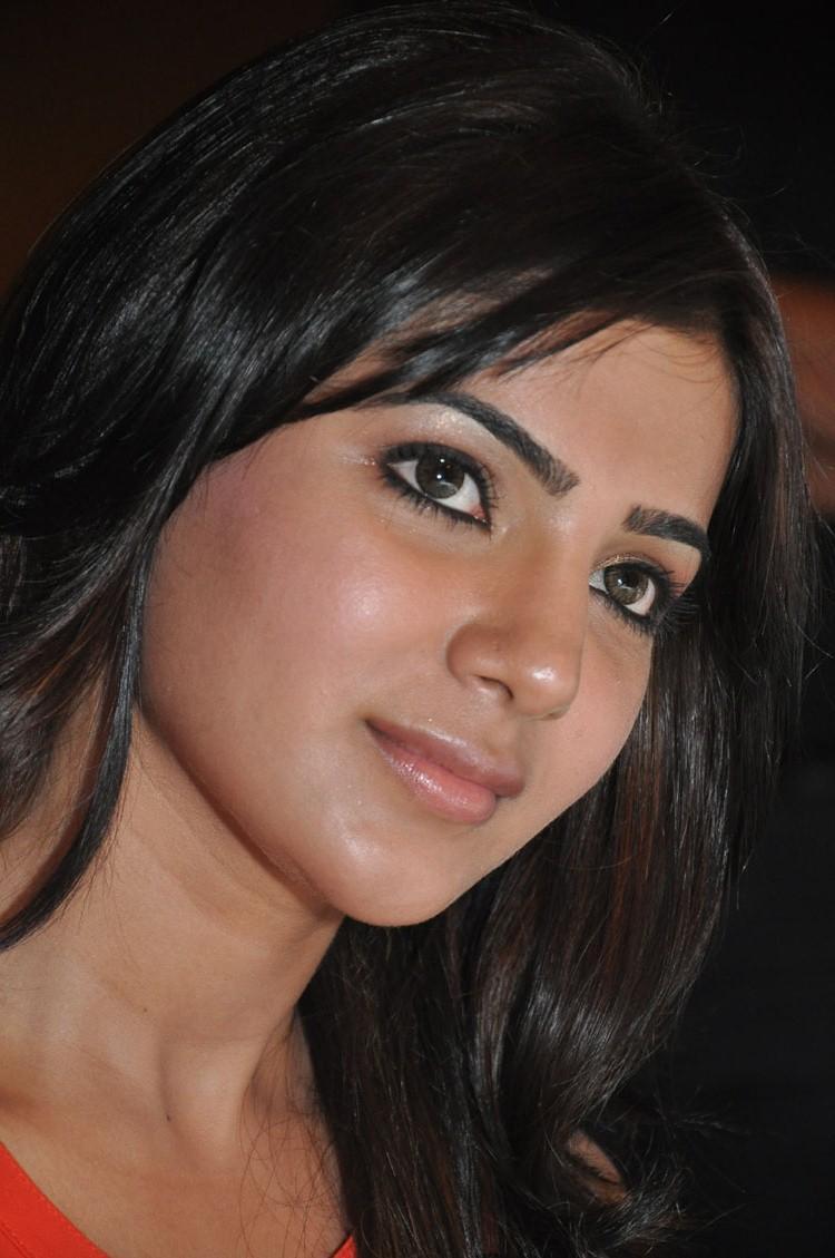 Samantha Hot Eyes Look At Bangaru Kodipetta Movie Audio Launch Function