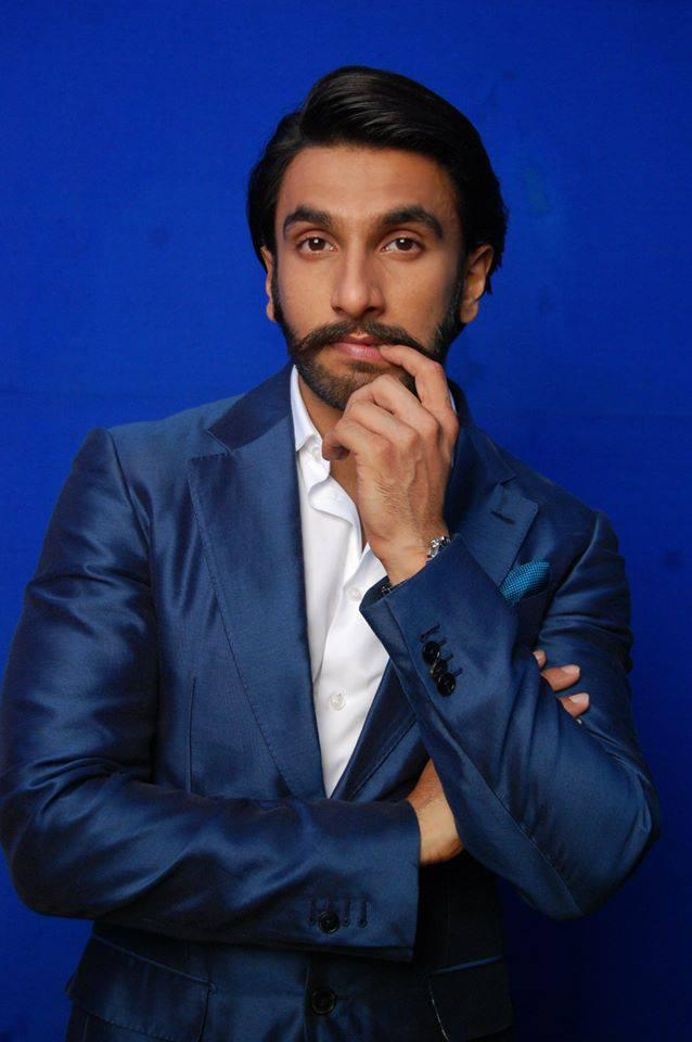 Ranveer Singh Dappers In Suit Behind The Scenes At Comedy Night With Kapil Show