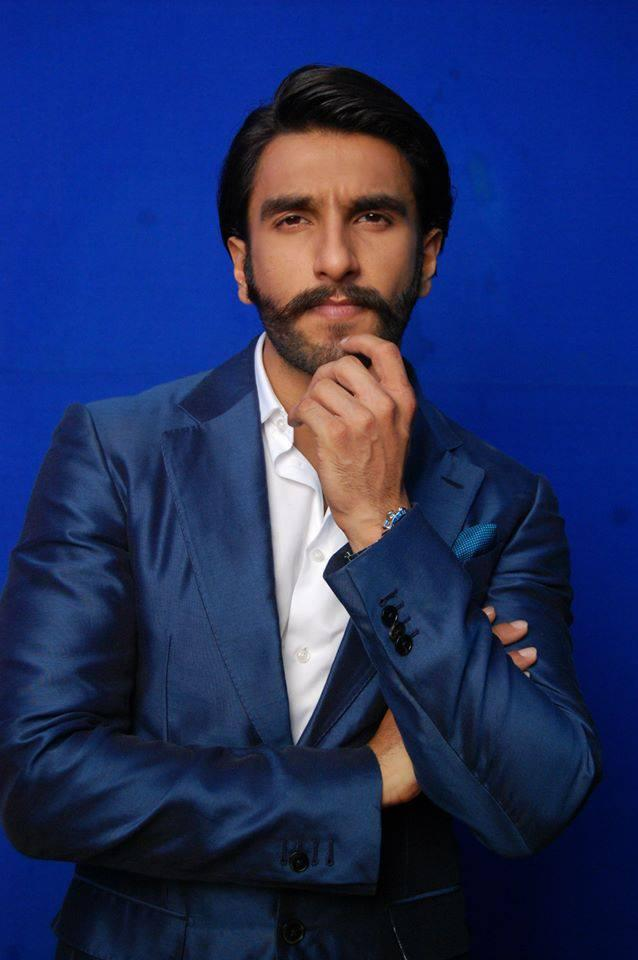 Ranveer Singh Nice Pose Look On Behind The Scenes At Comedy Night With Kapil Show