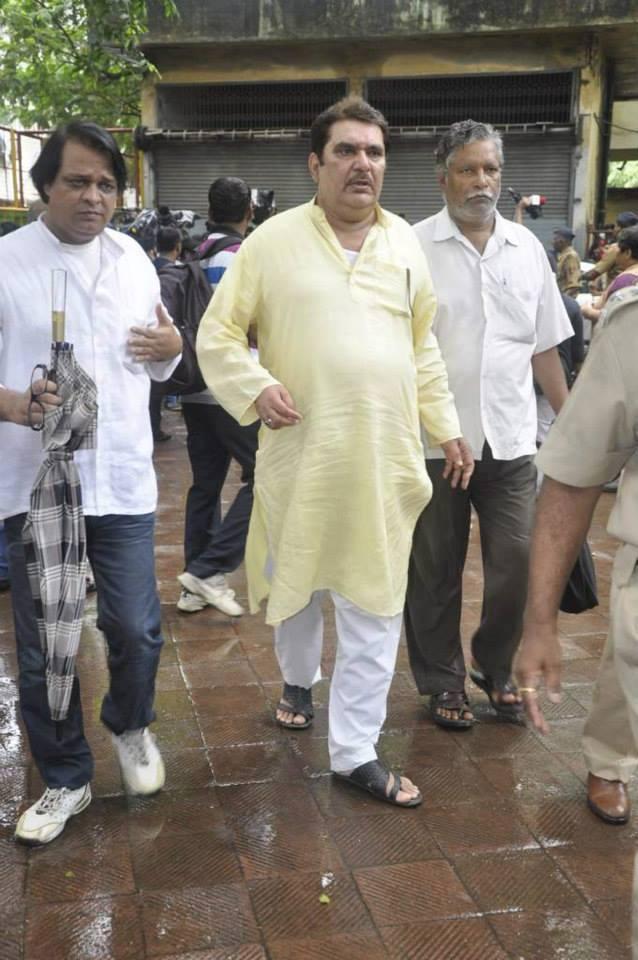 Raza Murad Spotted To Pays Last Respect Veteran Actor Pran