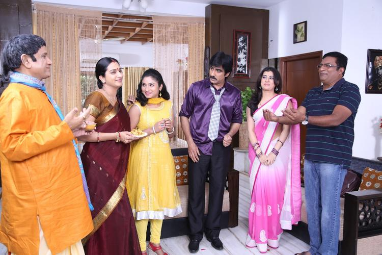 Archana,Ravi Teja And Other Characters Comedy Scene Pic From Balupu