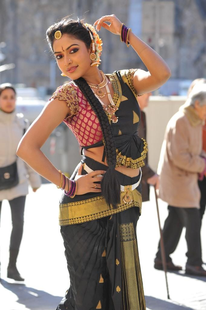 Amala Paul Looks Stunning In Traditional Look Dance