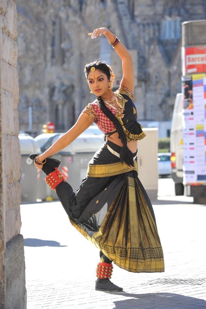 Amala Paul Traditional Dance Latest Photo